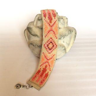 Bracelet tissé perles de rocaille corail beige