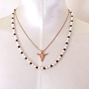 Collier tête de taureau doré rose perles