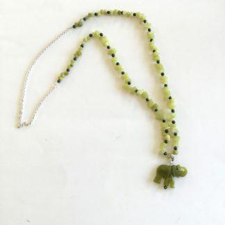 Collier éléphant jade et chips