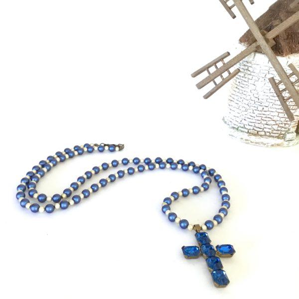 Collier croix bleue