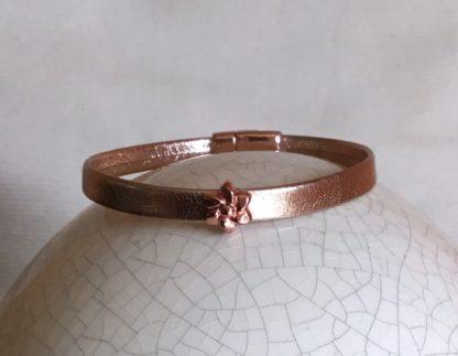 Bracelet cuir doré rose fleurs
